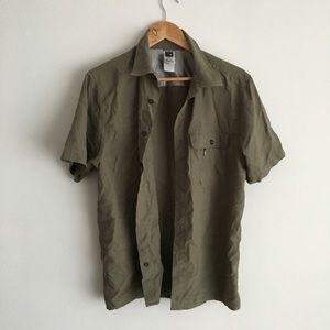 TNF quick dry short sleeve button down shirt